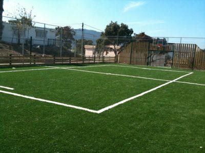 דשא סינטטי במגרש ספורט