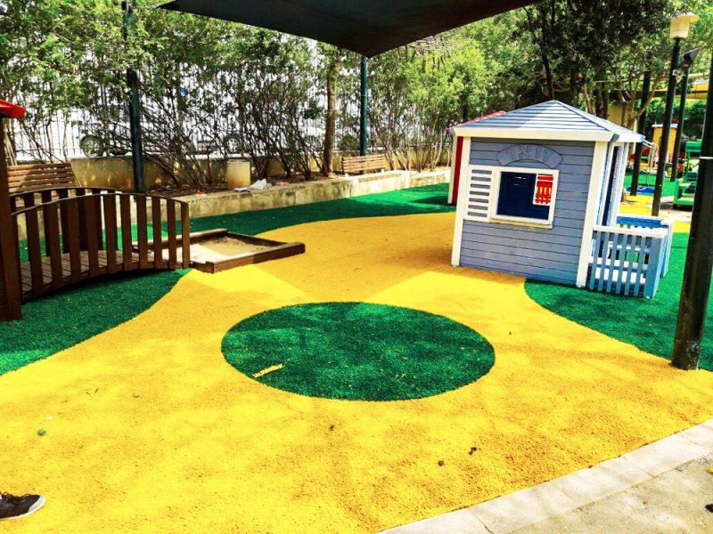 החשיבות של דשא סינטטי מעוצב בגני ילדים