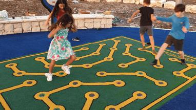 משחקי רצפה בתפירה אישית
